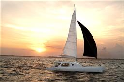EXCLUSIVE WAKA SAILING - LEMBONGAN